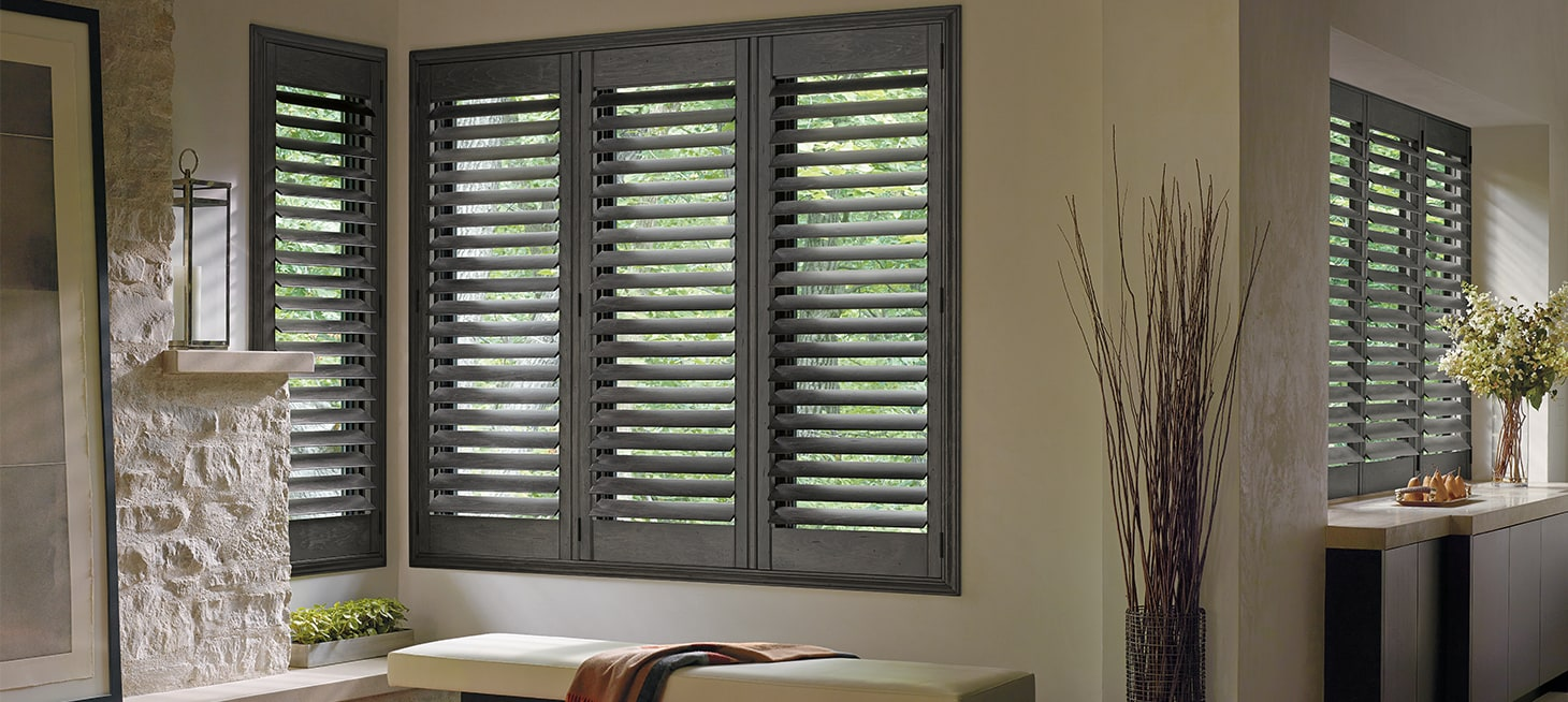 Shutters plantation shutters interior shutters for Interieur shutters